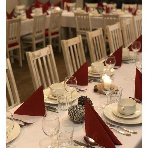 nakryty stół do imprez okolicznościowych 3